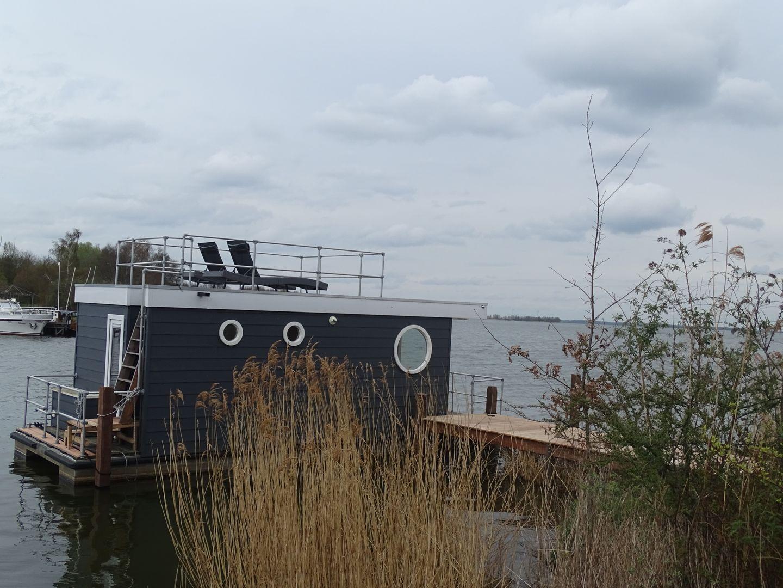 Woonboot de Meerkoet